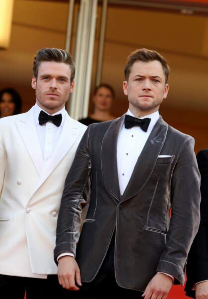 """Richard Madden et Taron Egerton, les stars de """"Rocketman"""", sur les marches de Cannes le 16 mai 2019"""