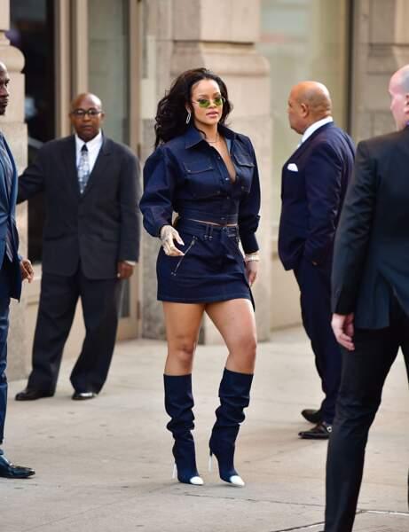 La somptueuse Rihanna a appris à écouter son corps, plus mince, plus rond, elle suit le mouvement.