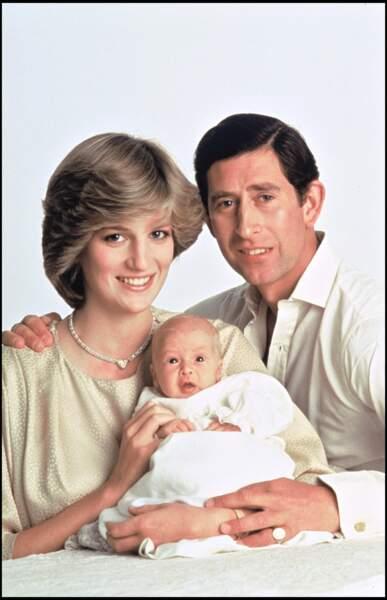 Le prince Charles et la princesse Lady Diana avec le prince William en 1982