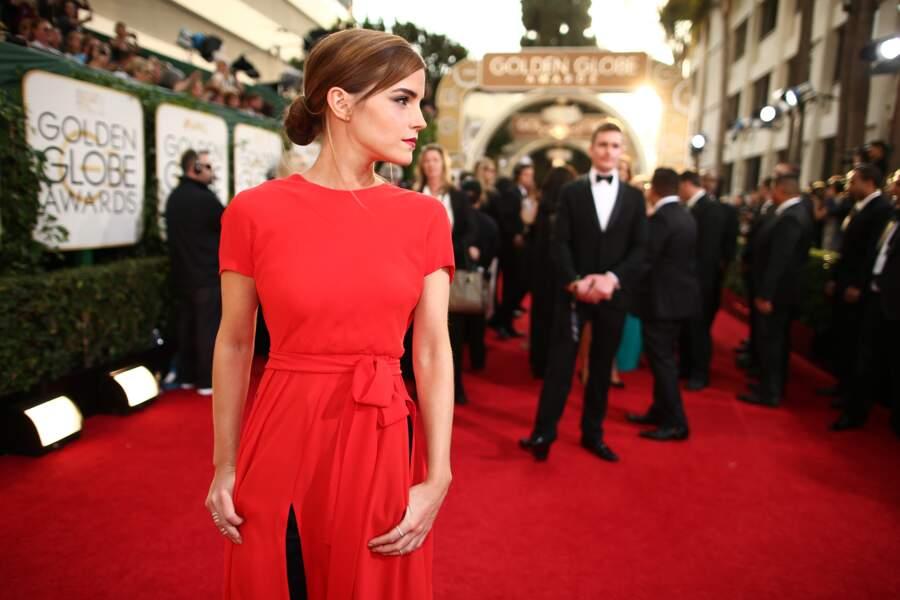 Chignon chic et look stylé pour Emma Watson en 2014