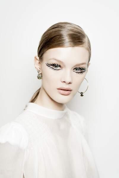 Un regard d'une élégance et d'une sophistication rare réussi par Peter Philips chez Dior