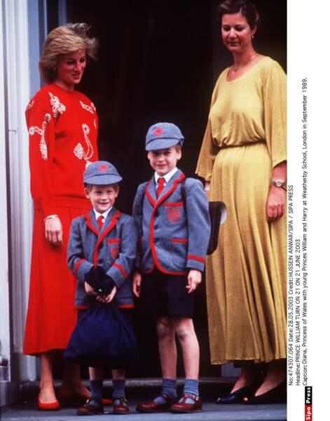 La Princesse Diana avec William et Harry, lors de la rentrée des classes en 1989