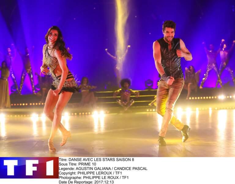 """Agustin Galiana et sa partenaire Candice Pascal, sur le plateau de """"Danse avec les Stars"""" en 2017"""