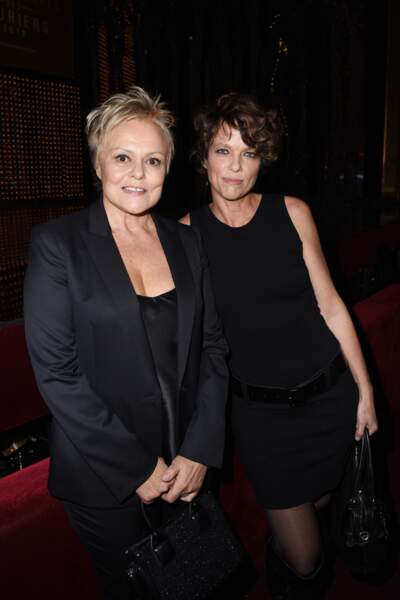 Muriel Robin et sa compagne Anne Le Nen, aux Lauriers de L'audiovisuel, à Paris, le 11 février 2019