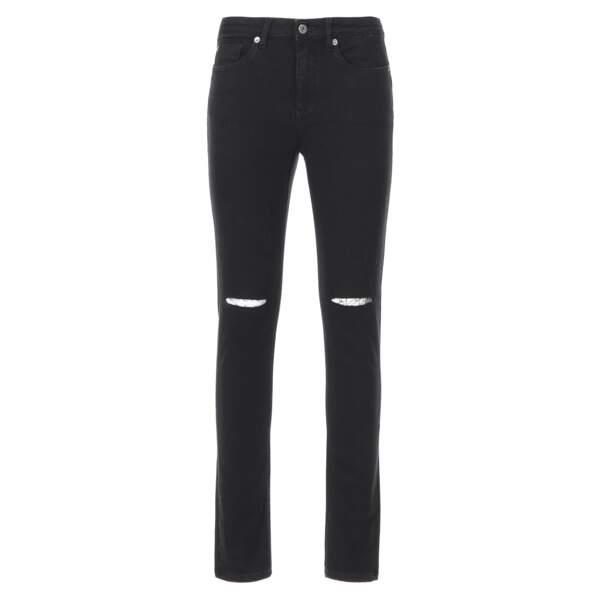 Déchiré, jeans slim noir, 170 €(Woolrich).