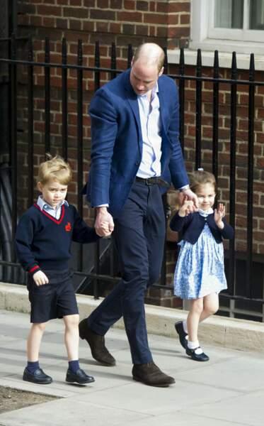 Elle était très à l'aise à son arrivée à l'hôpital pour rencontrer son petit frère Louis.