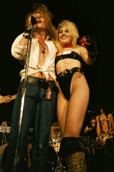 Sur scène avec Pam Manning en 1986