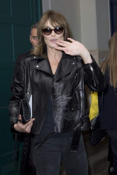 Carla Bruni-Sarkozy en tenue très rock