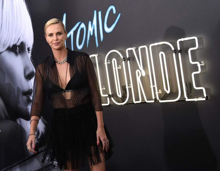 Charlize Theron : bombe sublime pour l'avant-première de son film Atomic Blonde
