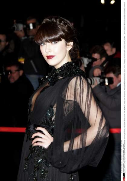 2013: gothique chic, une autre de ses facettes, pour les NRJ Music Awards