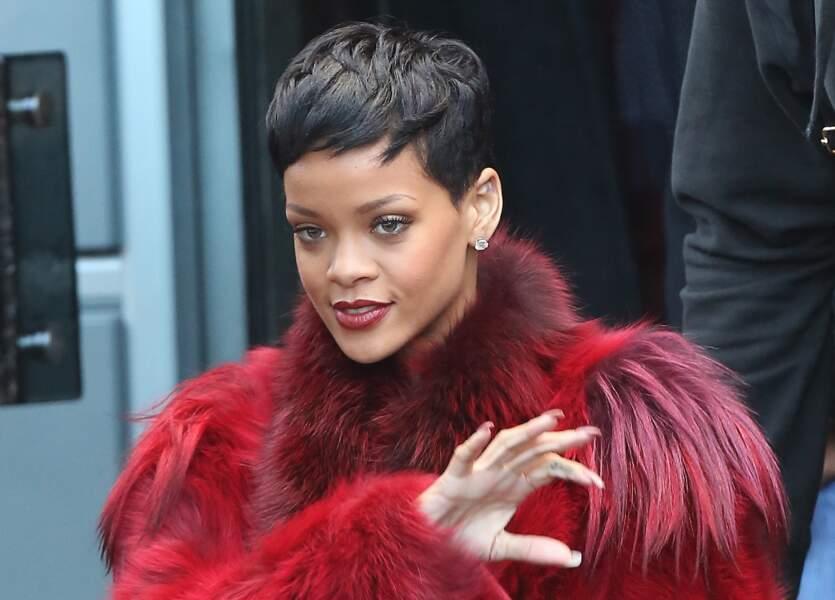 La coupe courte très chic de Rihanna
