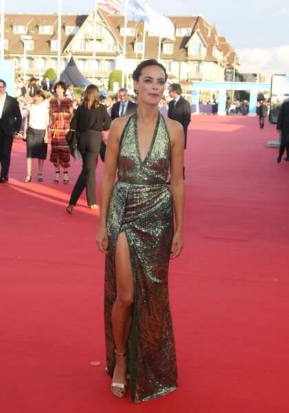 Bérénice Bejo arrive sur le tapis rouge de l'ouverture du Festival de Deauville
