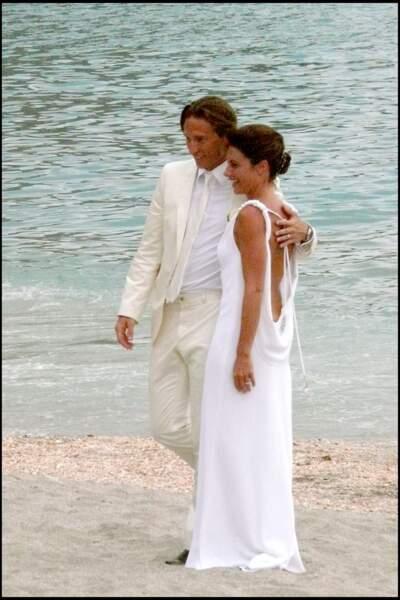 Alessandra Sublet et Thomas Volpi prennent la pose après leur mariage religieux