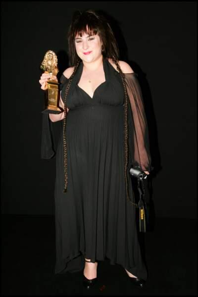 """En 2006, elle reçoit le Moliere de la révélation théatrale pour la pièce """"Toc Toc"""""""