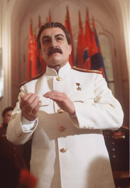 """Un quart de siècle plus tôt, en 1992, il y a eu l'acteur oscarisé Robert Duvall dans le film... """"Staline"""""""