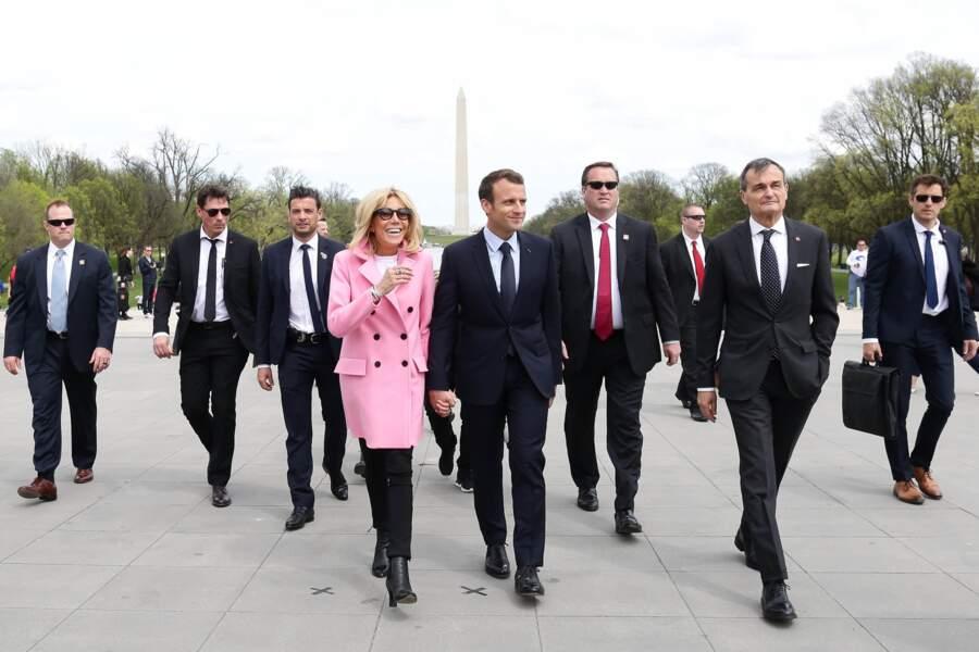 Brigitte Macron accompagnée par son mari Emmanuel et Gérard Araud, l'ambassadeur de France aux Etats-Unis