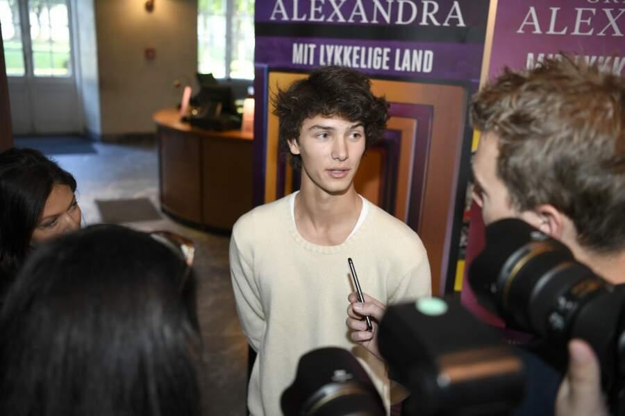 A 19 ans, Nikolai est déjà très à l'aise devant les journalistes