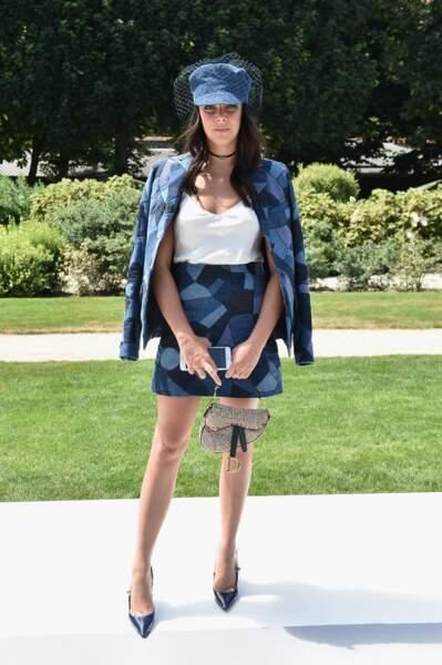 Pour le show Haute-Couture Dior, Pauline Ducruet nous éblouissait dans un look jeans et bibi. Sublime !