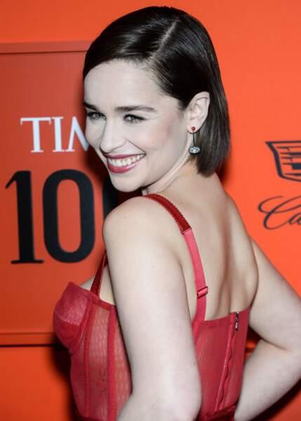 L'actrice Emilia Clarke avec un carré parfait