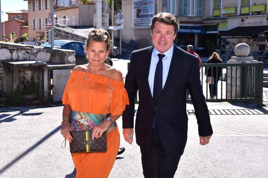 Laura Tenoudji enceinte et son époux Christian votent à Nice