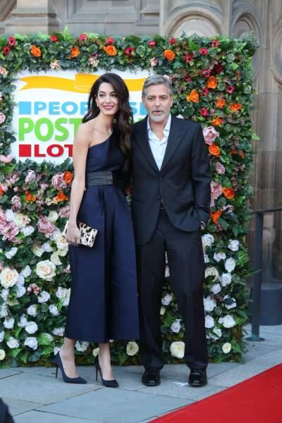 Amal Clooney et george Clooney, un couple complice et toujours très élégant et assorti