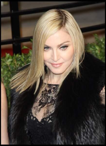 Madonna, et son lissage baguette à Los Angeles en 2011