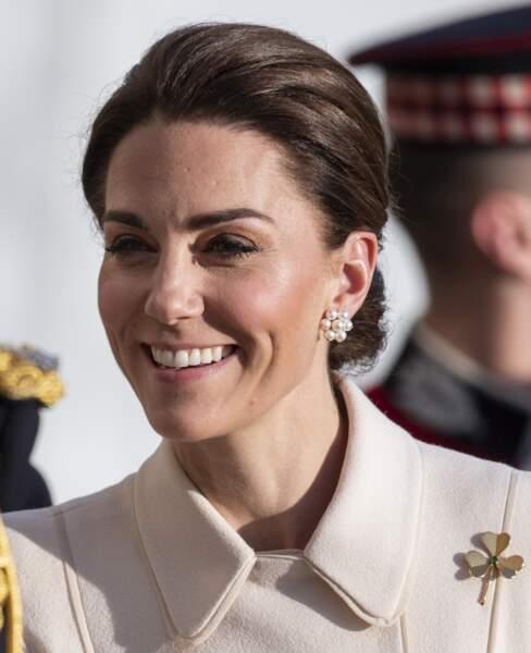 Kate Middleton radieuse avec une nouvelle couleur de cheveux qui dissimule ses cheveux blancs