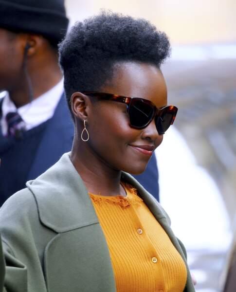 La coupe courte afro de Lupita Nyong'o
