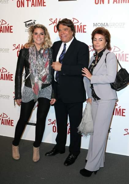"""Bernard Tapie, sa femme et leur fille Sophie à l'avant-première de """"Salaud on t'aime"""" à Paris, le 31 mars 2014."""
