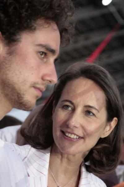 Ségolène Royal et Thomas Hollande au meeting de Charlety lors de l'entre-deux-tours des présidentielles de 2007.