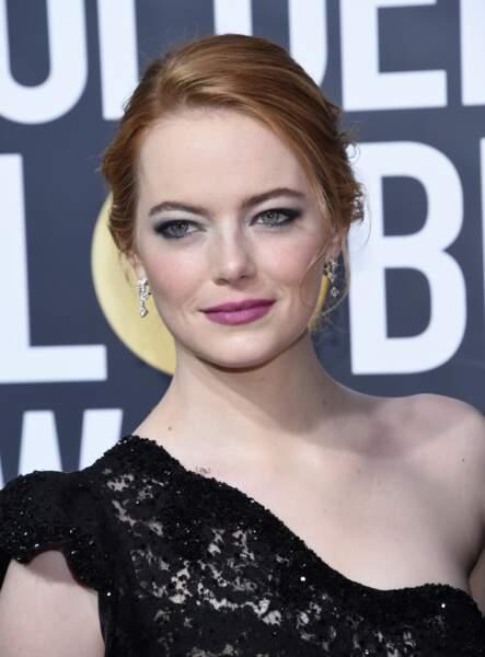 Emma Stone, rétro-chic jusqu'au bout des sourcils