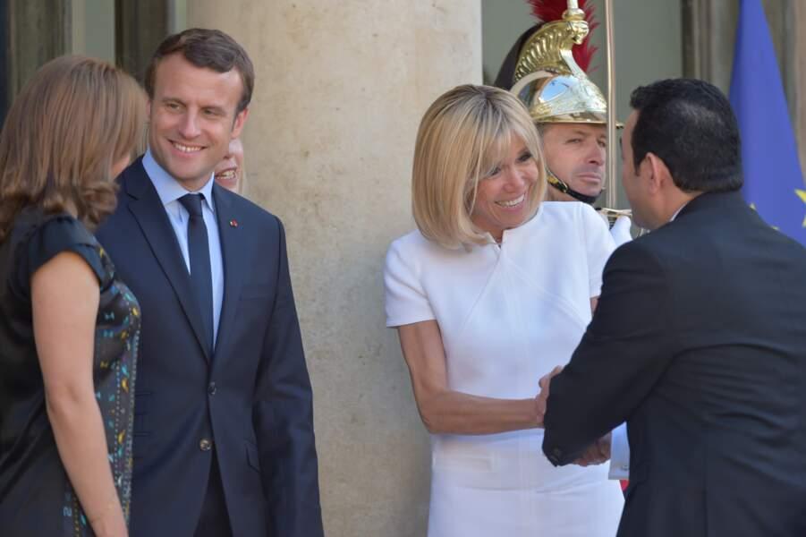 Brigitte Macron salue le président du Guatemala