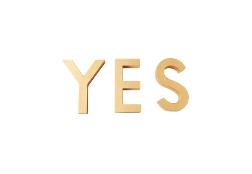 Lorafolk  pour Monoprix, Lettres « YES » dorées, hauteur 30 cm, 20 €