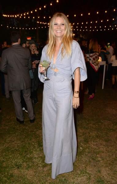 Gwyneth Paltrow en combi-pantalon signée Rosie Assoulin