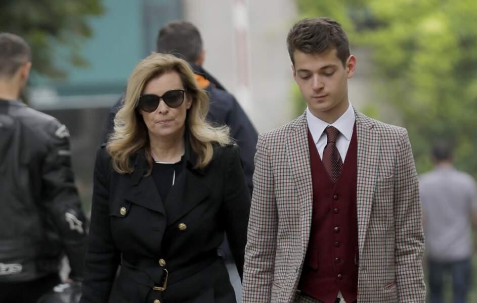 Valérie Trierweiler et son fils Léonard étaient présent aux obsèques de Christophe Michel