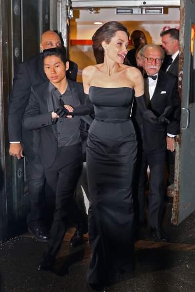 Angelina Jolie sublime lors d'une soirée au Cipriani Wall Street à New York avec ses enfants