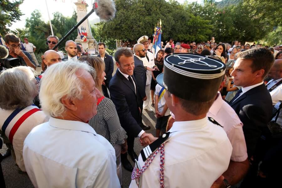 Le président accueilli chaleureusement par les habitants et les autorités locales