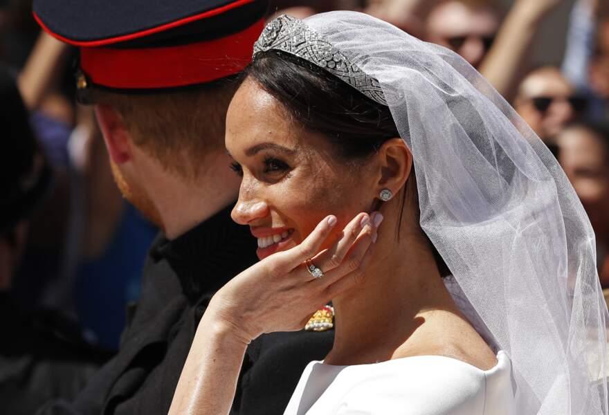 Le prince Harry et Meghan Markle en calèche à la sortie du château de Windsor après leur mariage le 19 mai 2018