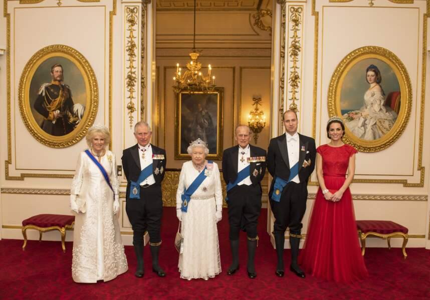 La famille royale à la réception annuelle pour les membres du corps diplomatique à Buckingham en décembre 2016