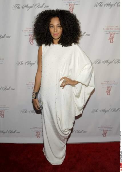 Solange Knowles lors d'un gala dans une robe immaculée Alessandra Rich à New York, le 17 octobre 2011