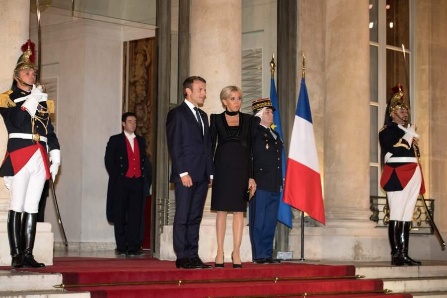 Un premier dîner d'Etat pour le couple Macron.