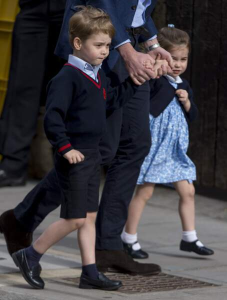 George, lui, se réjouit d'avoir un petit frère, avec qui jouer.