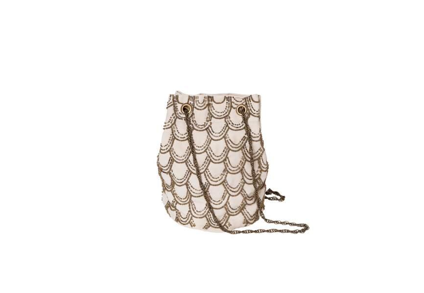 Lorafolk  pour Monoprix, Sac sceau brodé en perles métalliques, coton, 39 €