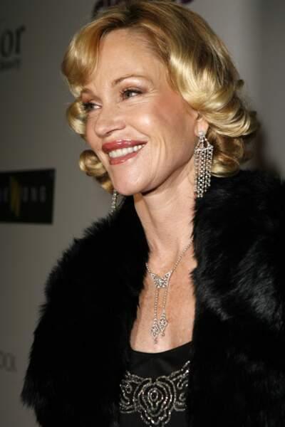 Un carré court, blond or et bouclé, le summum du glamour en 2007