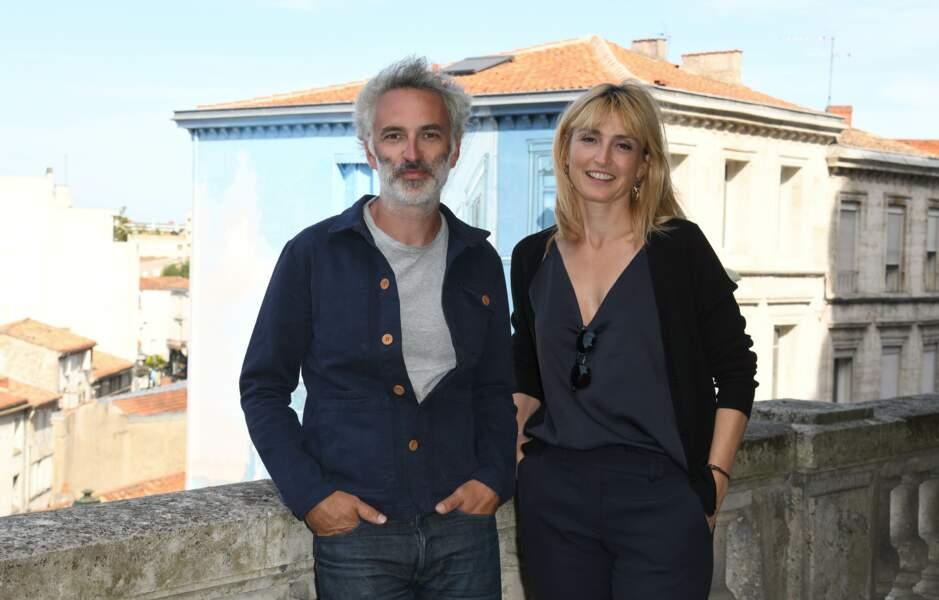 Julie Gayet était tout sourire ce mercredi 21 août à Angoulême... sans François Hollande