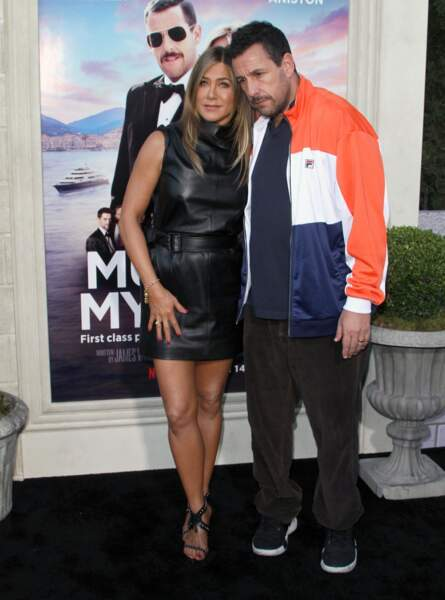 Jennifer Aniston joue avec Adam Sandler dans le prochain film Netflix : Murder Mystery