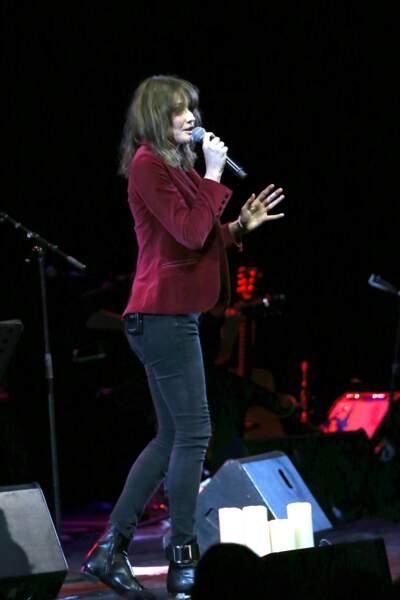 Carla Bruni-Sarkozy en concert à Athènes au Pallas Theater le 22 octobre 2017
