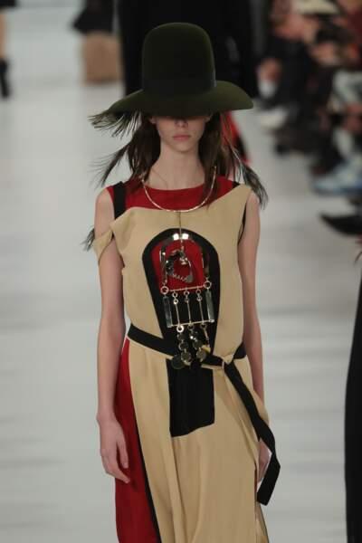 Le chapeau haut de forme, inspiration Vivienne Westwood
