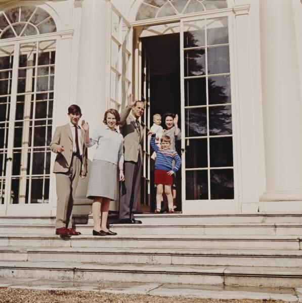 C'est aussi là-bas que les parents de la souveraine, George VI et Elizabeth Bowes-Lyon, ont passé leur lune de miel