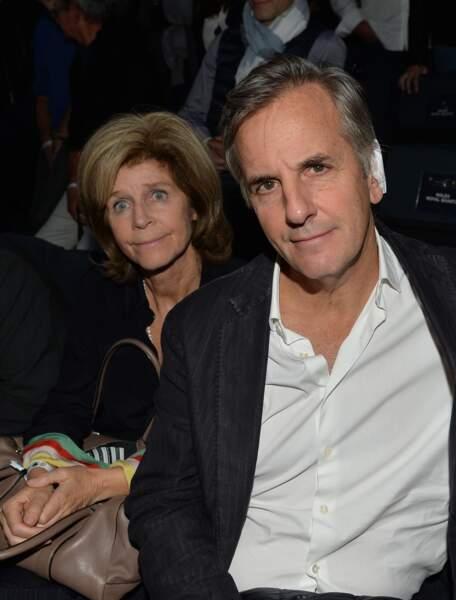 Bernard de la Villardière et Anne en novembre 2017, son pansement à l'oreille cache une opération de son cancer